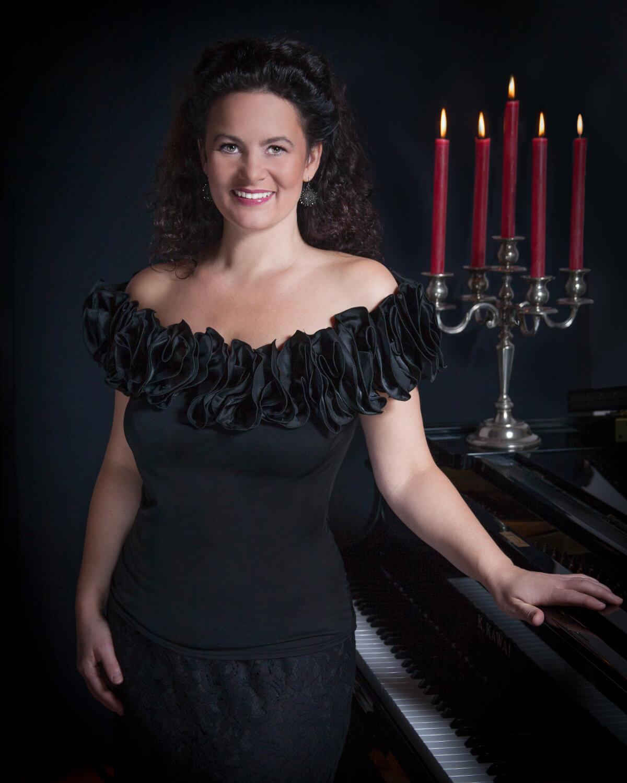 Sabine Vinke am Klavier